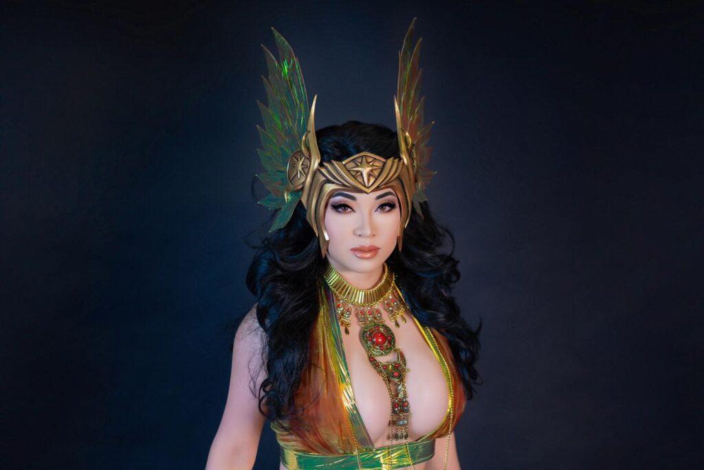 Cosplayer Yaya Han Valkyrie Headpiece Tuturial