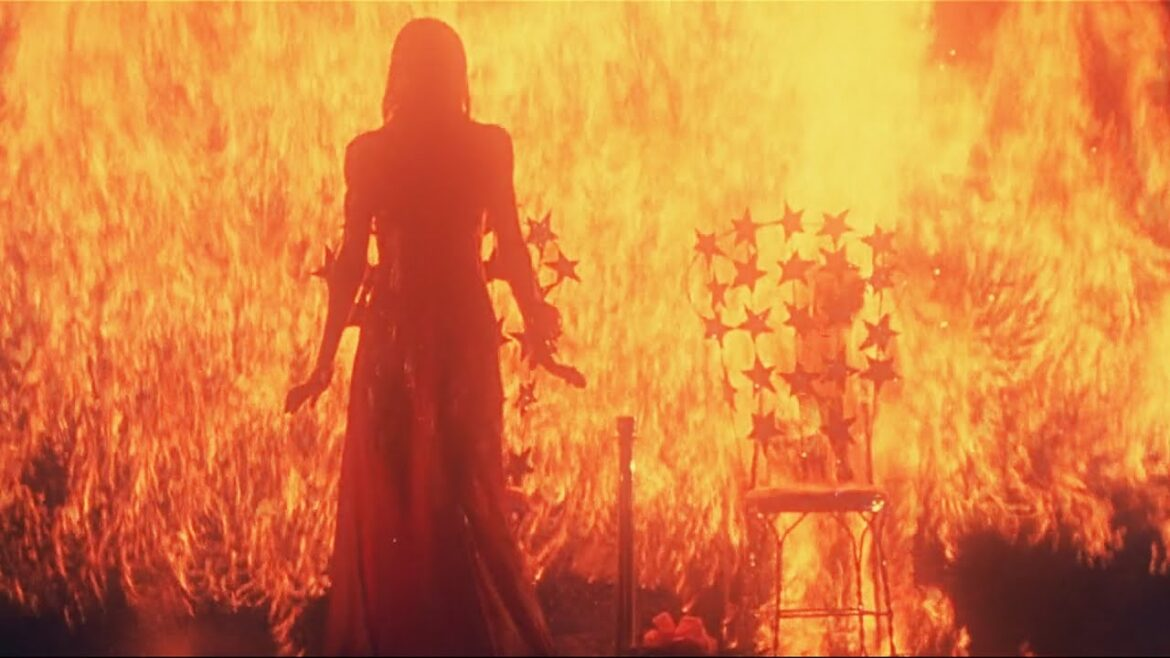 NFW – Episode 346 – CARRIE (1976)